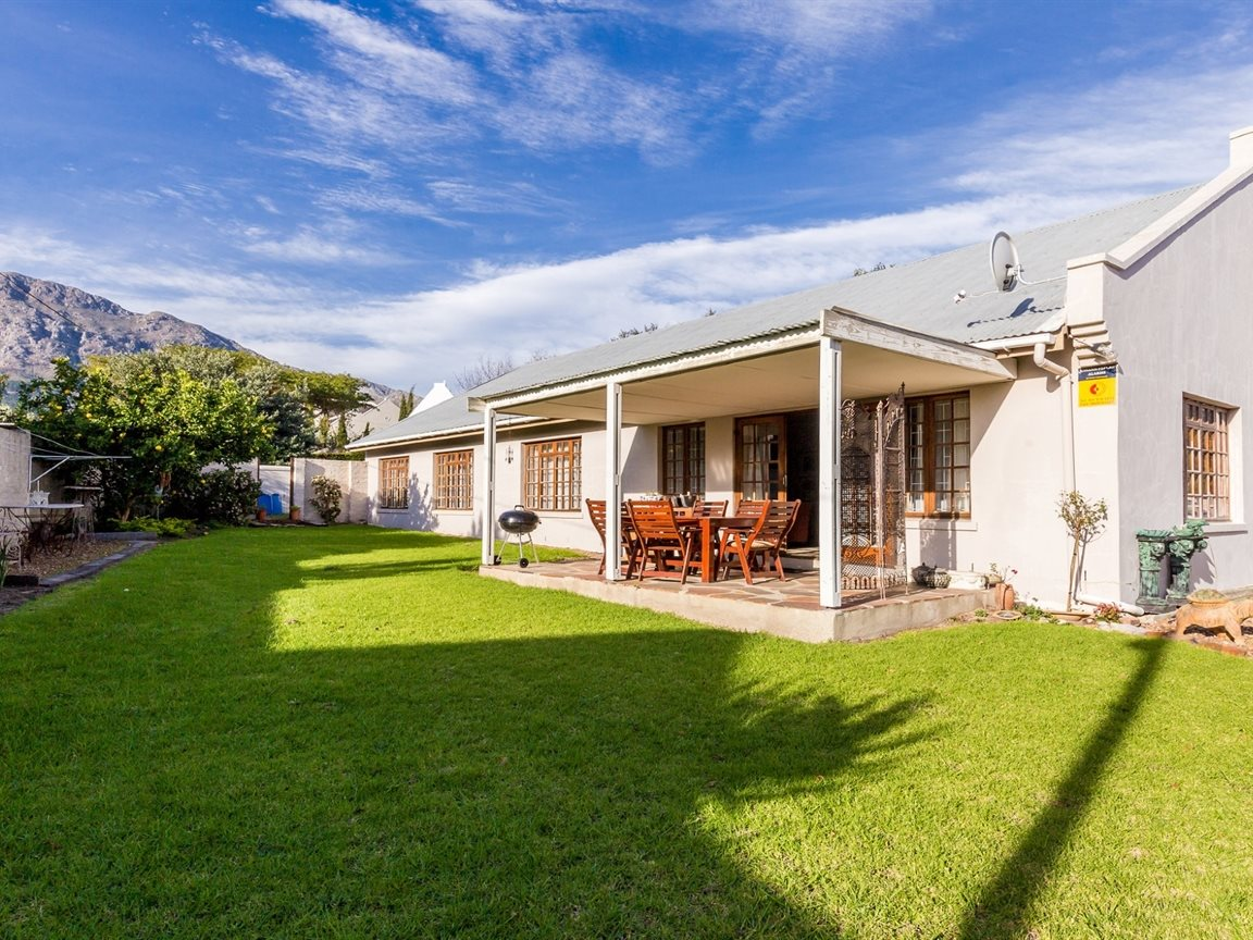 Franschhoek property for sale. Ref No: 13353946. Picture no 1