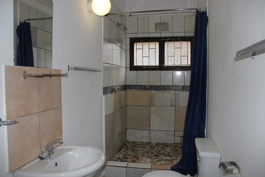Margate property for sale. Ref No: 13387390. Picture no 9