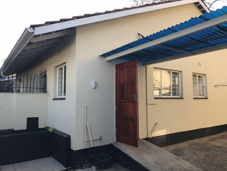 Illovo property to rent. Ref No: 13669659. Picture no 7