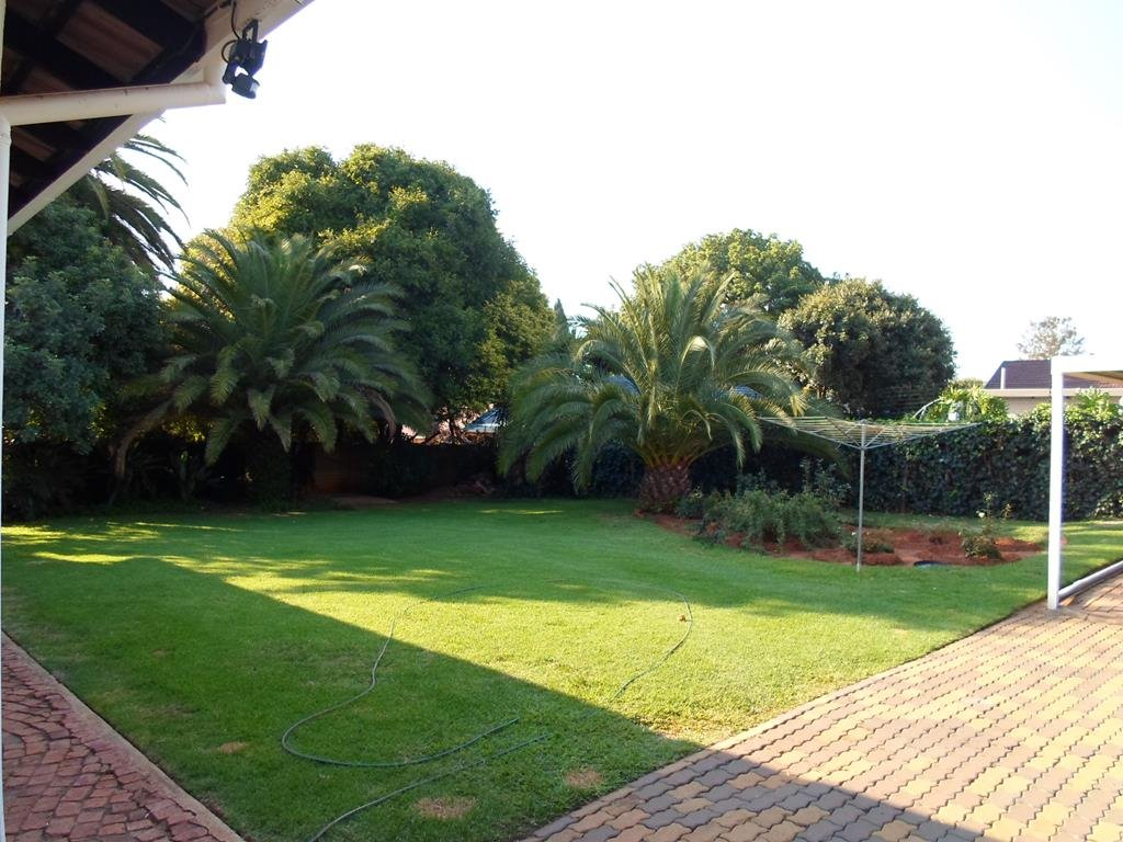 Eldoraigne property for sale. Ref No: 13295176. Picture no 2