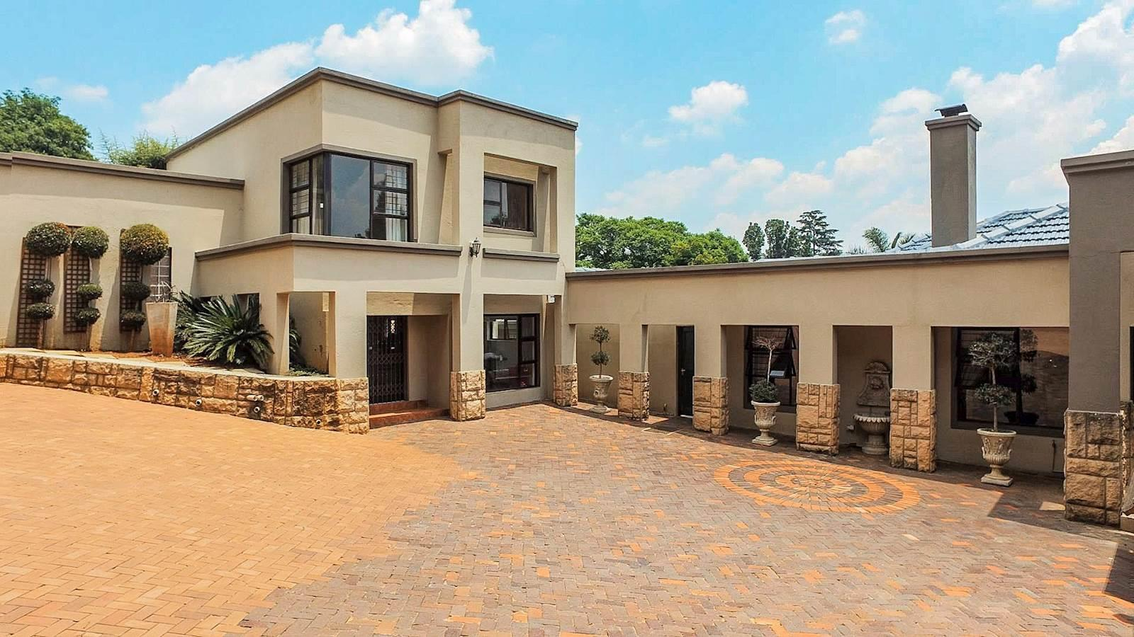 Northcliff property for sale. Ref No: 13440137. Picture no 16