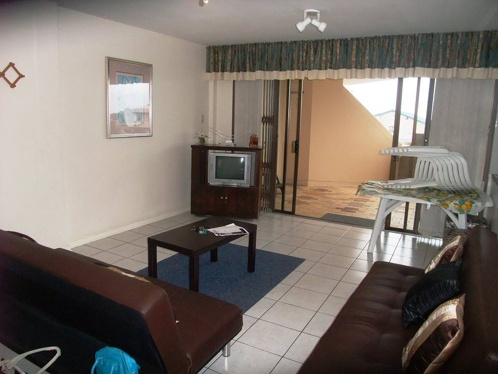 Margate property for sale. Ref No: 12775009. Picture no 6
