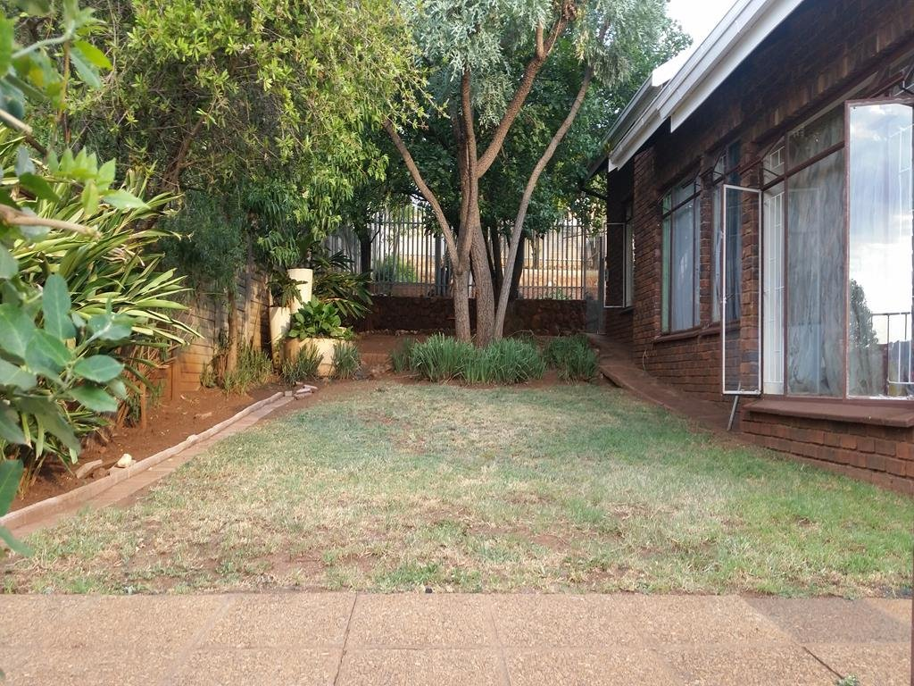 Bronberrick property for sale. Ref No: 13302696. Picture no 2