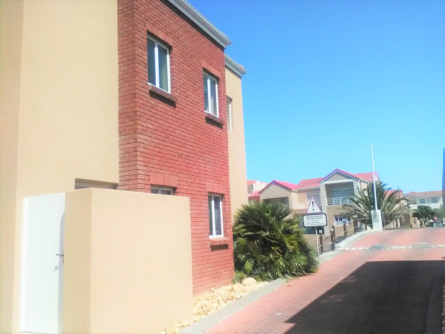 Harbour Island property to rent. Ref No: 13554085. Picture no 40