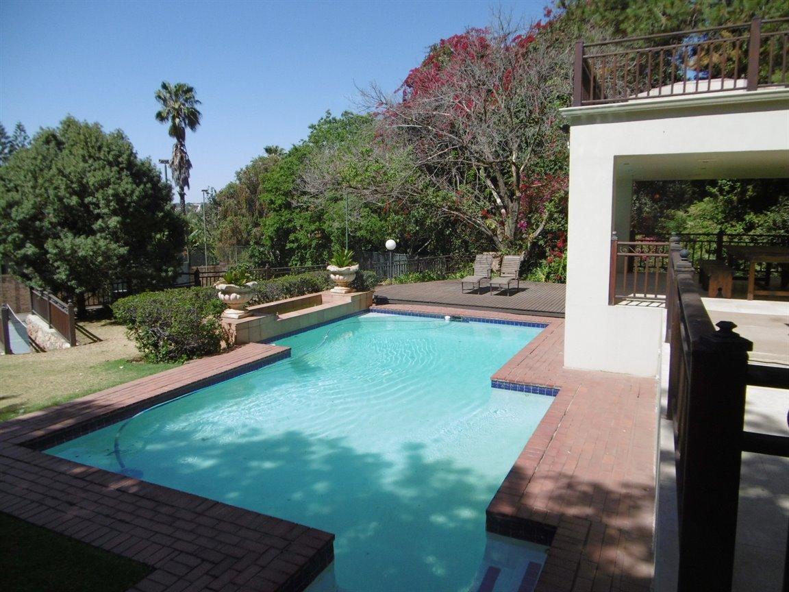 Bryanston property for sale. Ref No: 13389969. Picture no 5