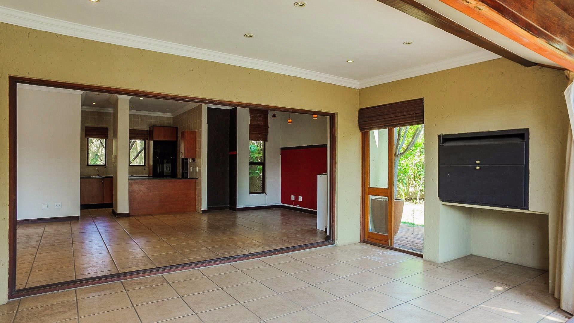 Irene View Estate property for sale. Ref No: 13519995. Picture no 11