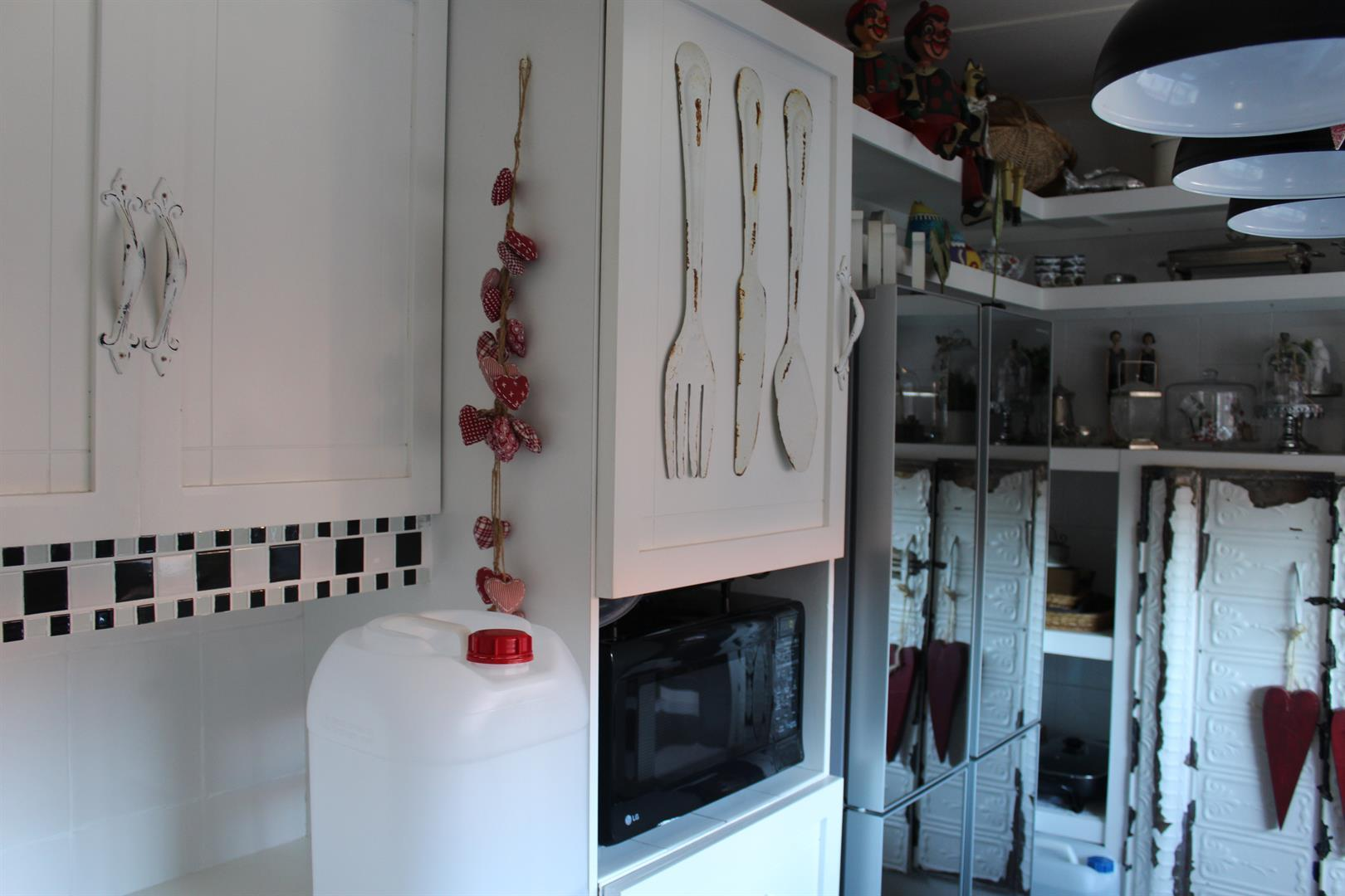 Suid Dorp property for sale. Ref No: 13460528. Picture no 5