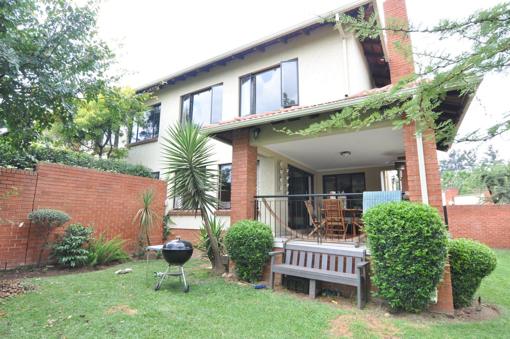 Sandton, Douglasdale Property  | Houses To Rent Douglasdale, Douglasdale, Townhouse 3 bedrooms property to rent Price:, 16,00*