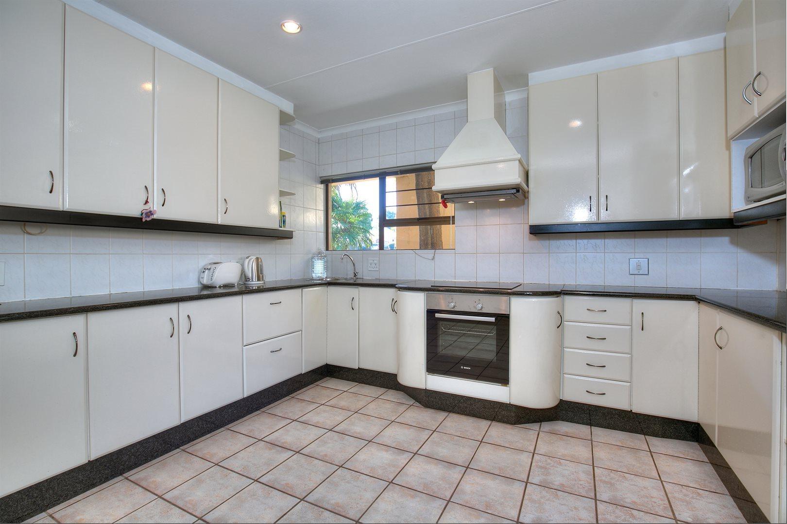 Fourways Gardens property to rent. Ref No: 13567440. Picture no 2