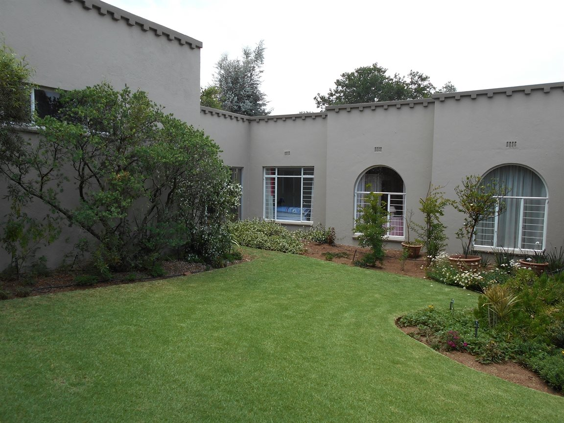 Randburg, Moret Property  | Houses For Sale Moret, Moret, House 4 bedrooms property for sale Price:2,500,000