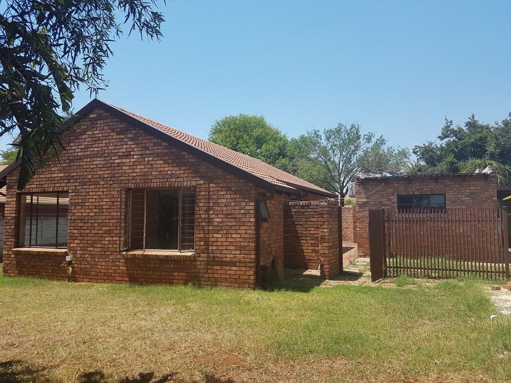 Pretoria, Doornpoort Property  | Houses To Rent Doornpoort, Doornpoort, House 3 bedrooms property to rent Price:,  8,70*