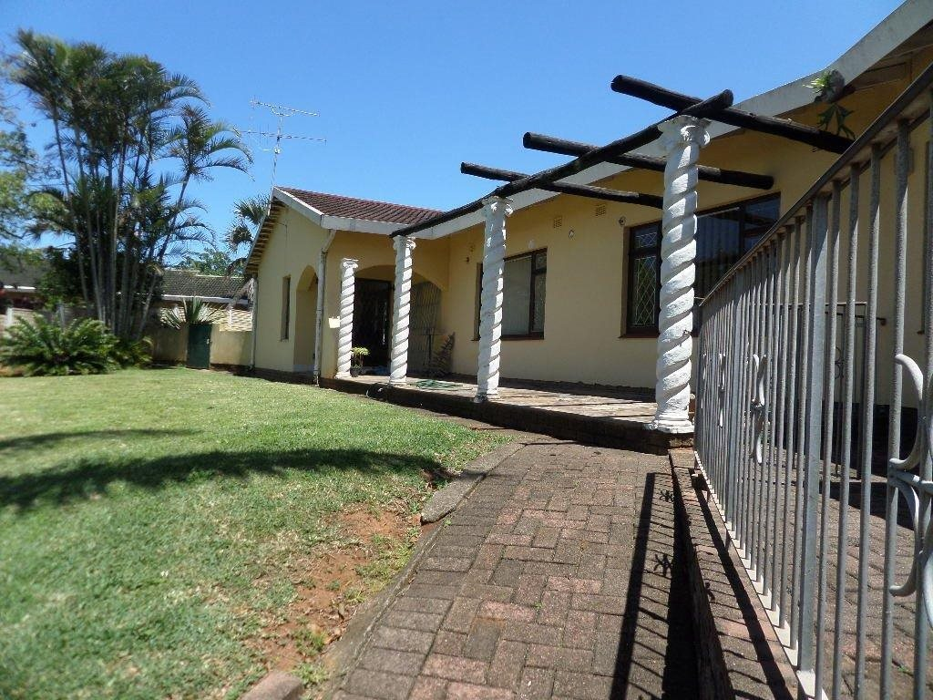 Property and Houses for sale in Southport, House, 3 Bedrooms - ZAR 1,630,000