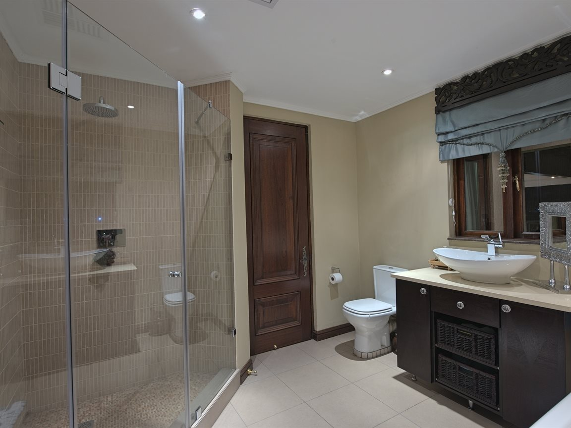 Three Rivers East property for sale. Ref No: 13240975. Picture no 27