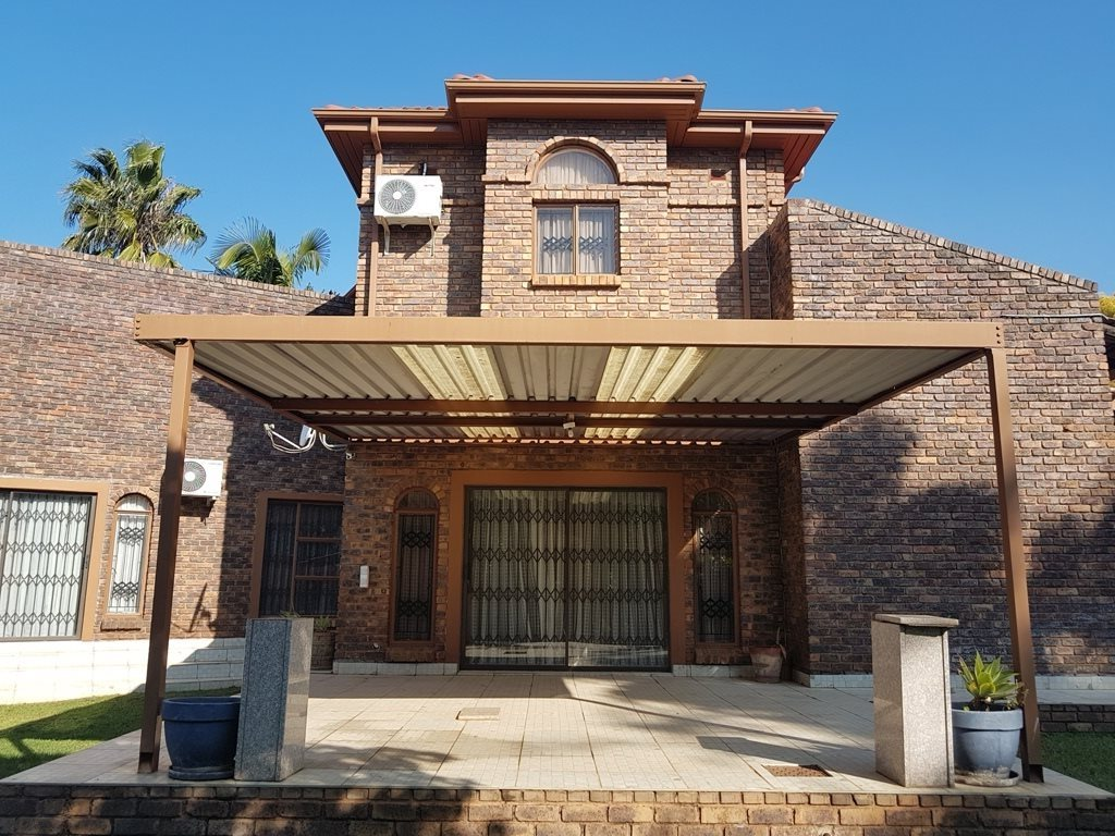 Property and Houses for sale in Karenpark, House, 5 Bedrooms - ZAR 2,000,000