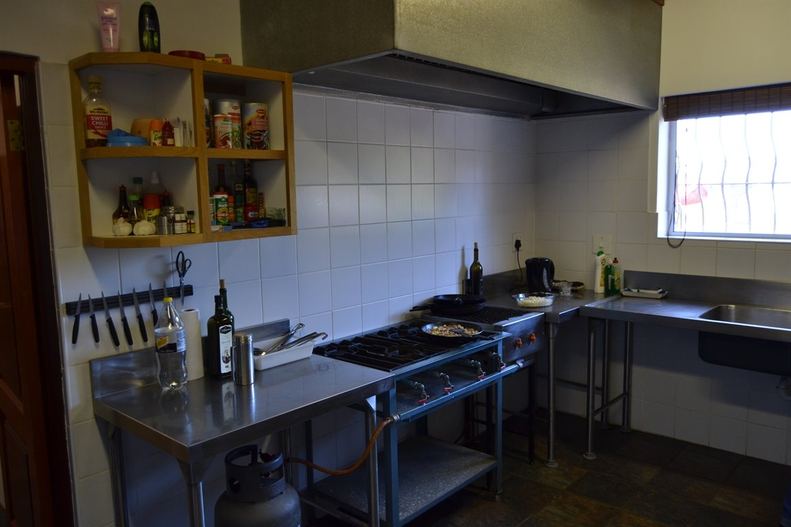 Paarl property for sale. Ref No: 13379607. Picture no 14