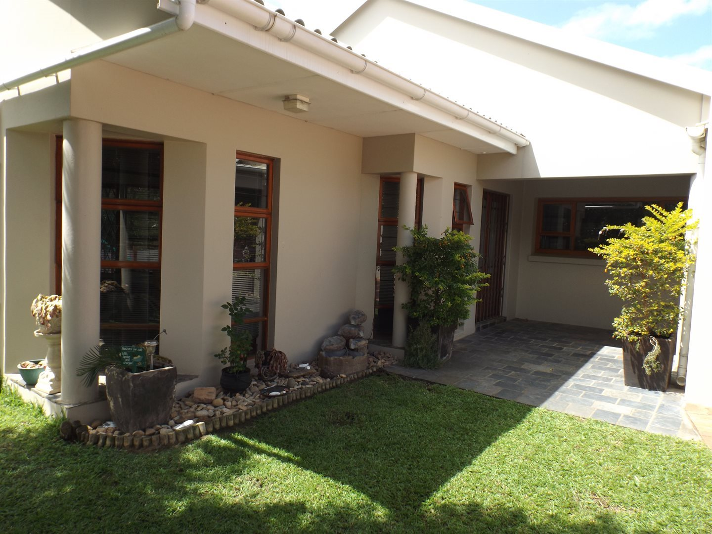 Property for Sale by DLC INC. ATTORNEYS Teresa De La Querra, House, 4 Bedrooms - ZAR 2,395,000