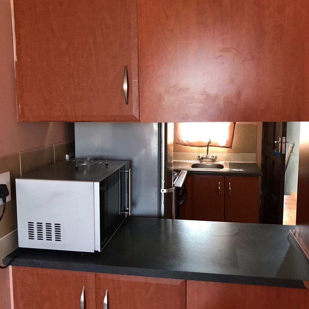 Brackenham property for sale. Ref No: 13481259. Picture no 4