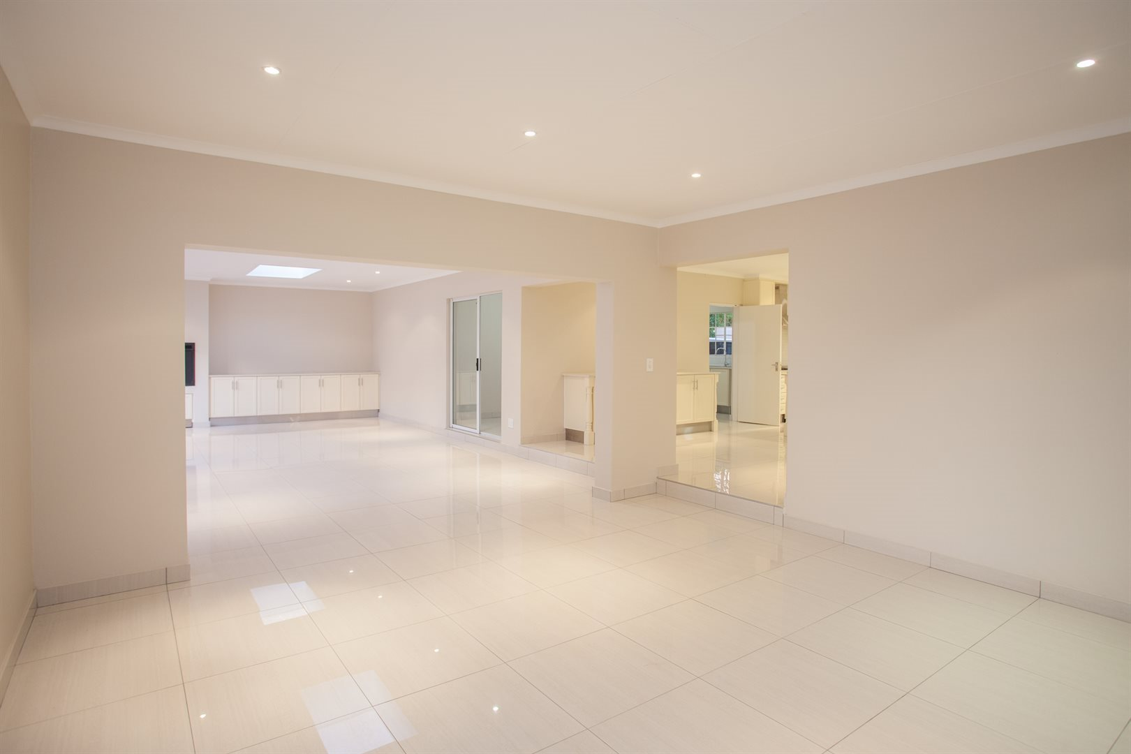 Fourways property for sale. Ref No: 13541531. Picture no 7