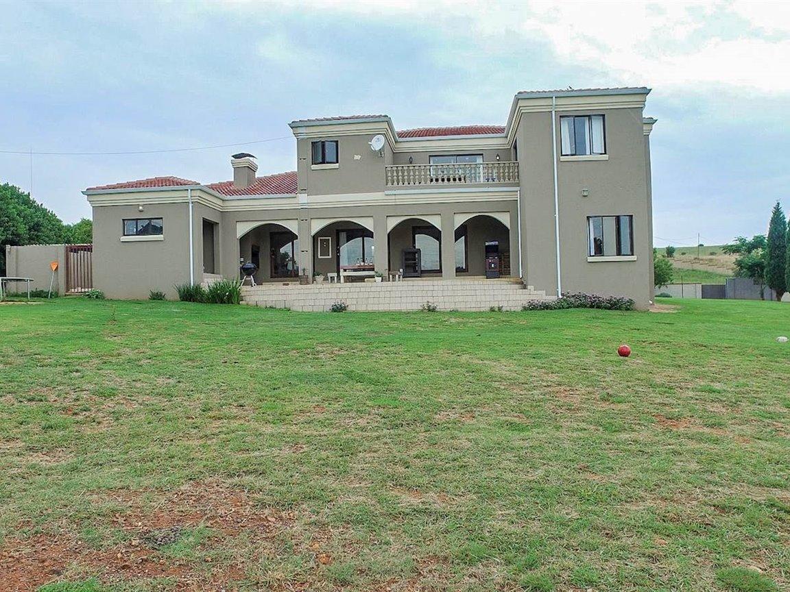 Irene Glen Estate property for sale. Ref No: 13411372. Picture no 21