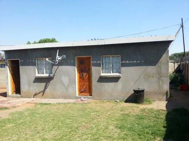Leeuhof property for sale. Ref No: 12729519. Picture no 11