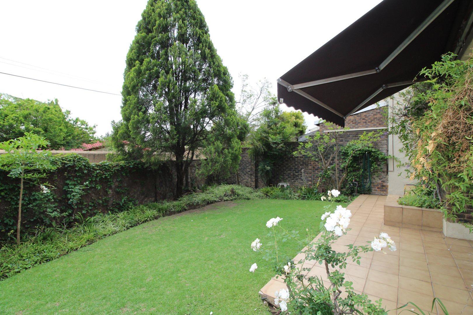 Bryanston property for sale. Ref No: 13552406. Picture no 3