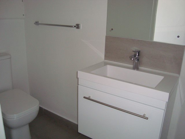 Kenilworth property to rent. Ref No: 13552415. Picture no 9