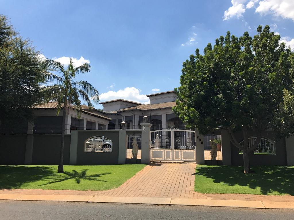 Pretoria, Faerie Glen Property  | Houses For Sale Faerie Glen, Faerie Glen, House 5 bedrooms property for sale Price:3,990,000