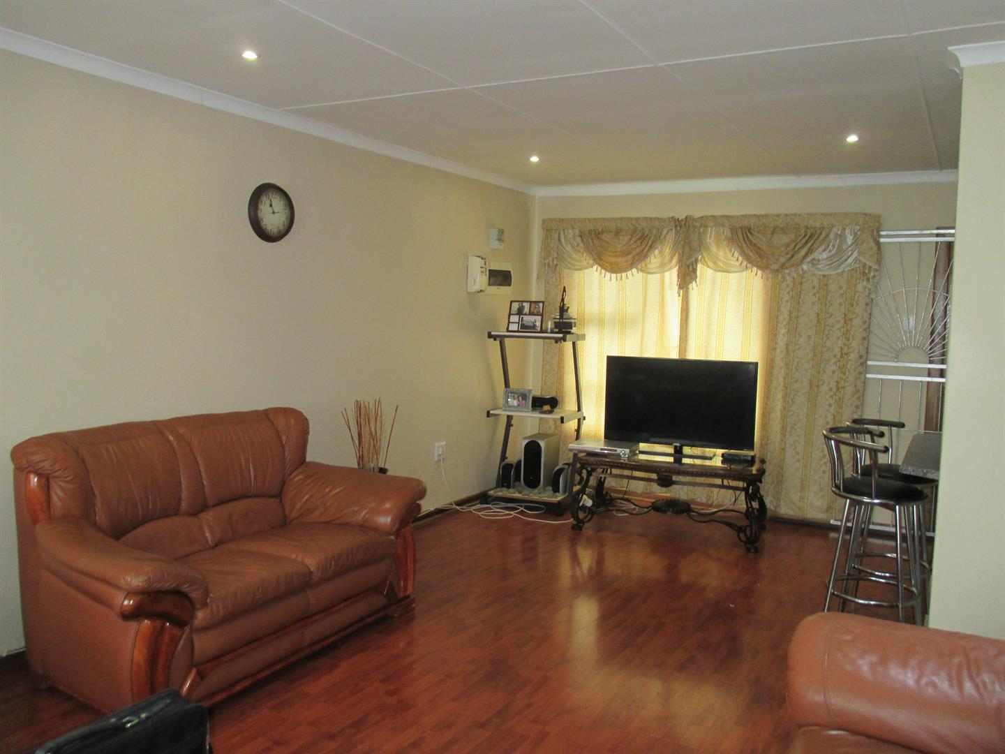 Haven Hills property for sale. Ref No: 13374517. Picture no 3