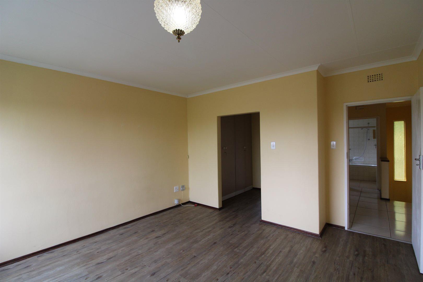 Bryanston property for sale. Ref No: 13552406. Picture no 16