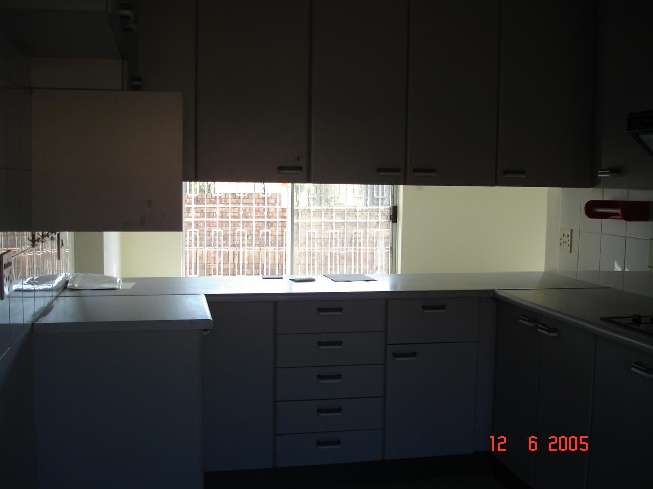 Glenvista property for sale. Ref No: 13525347. Picture no 7