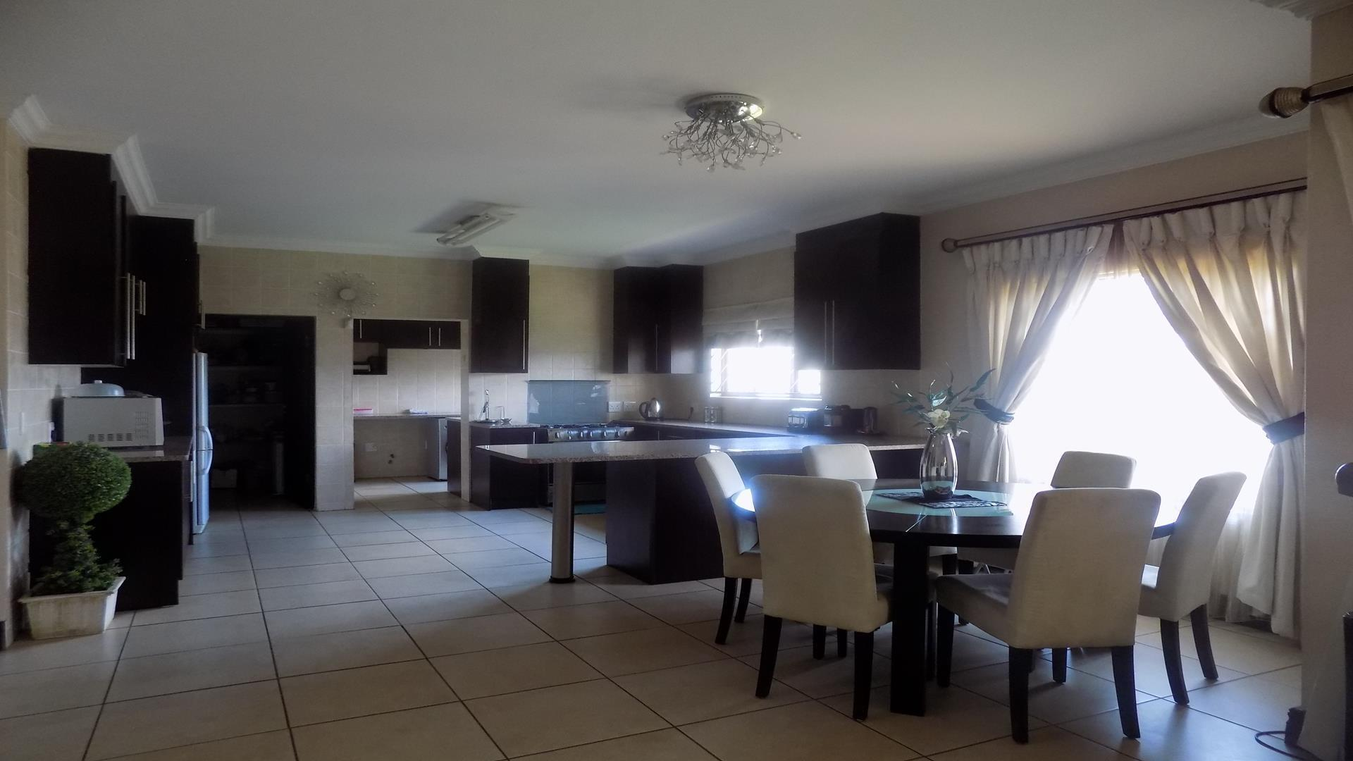 Eldo View property for sale. Ref No: 13443708. Picture no 4