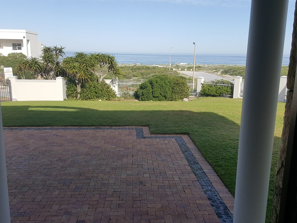 Yzerfontein property for sale. Ref No: 13373287. Picture no 12