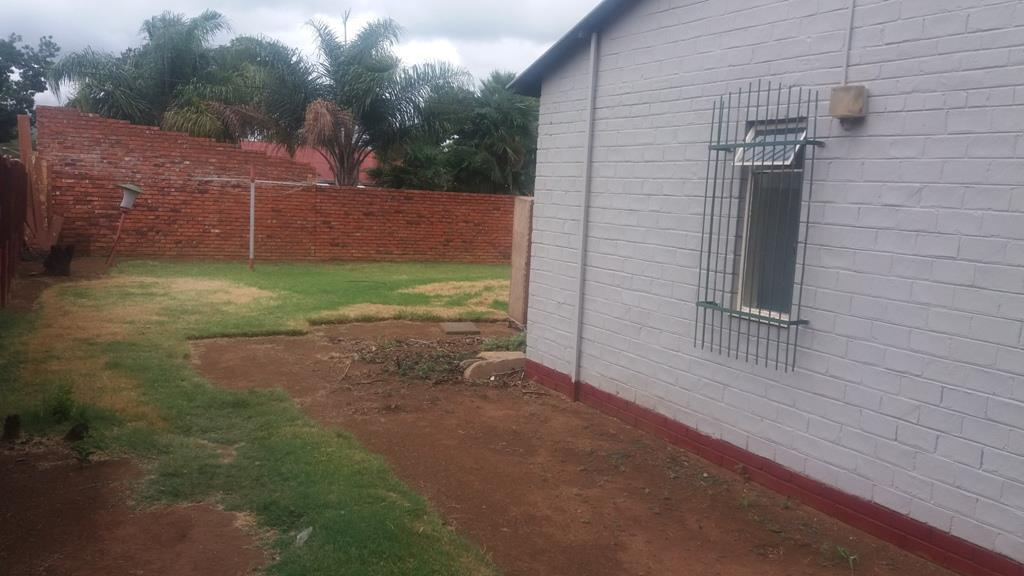 Pretoria West property for sale. Ref No: 13553014. Picture no 30