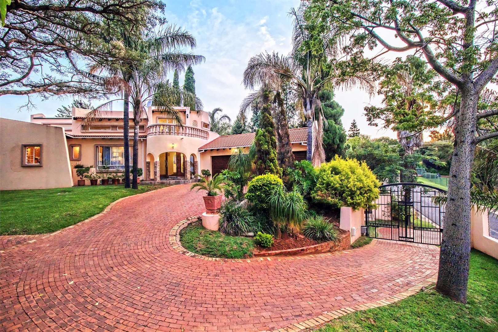 Property and Houses for sale in Constantia Park, House, 5 Bedrooms - ZAR 2,898,000