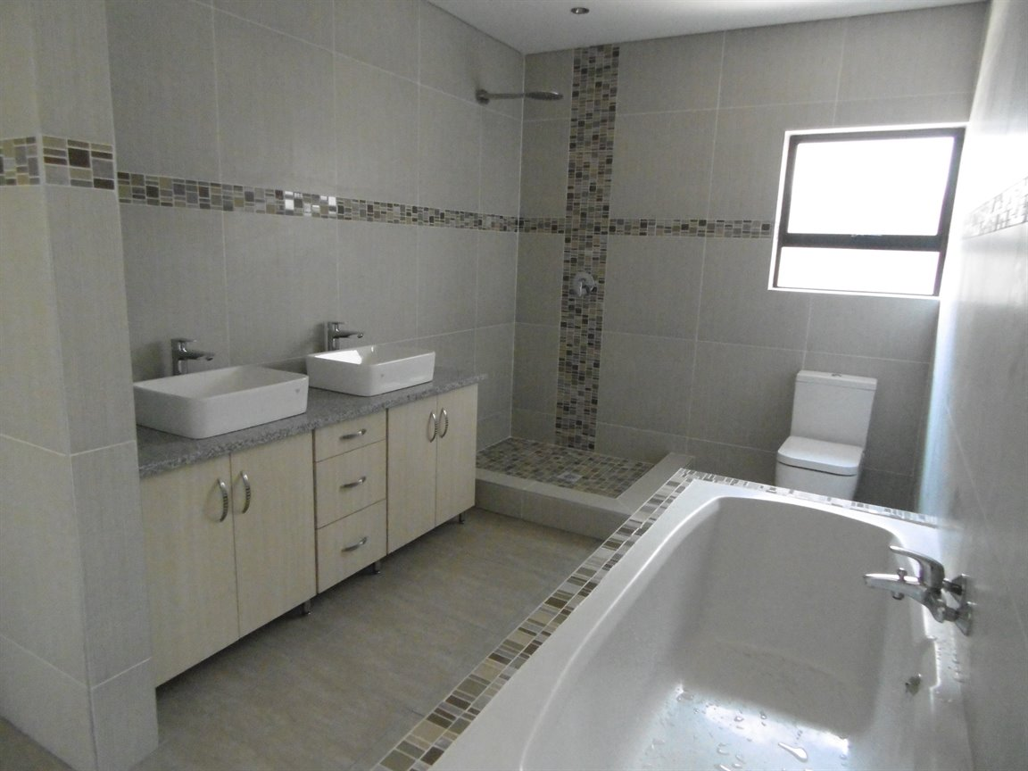 Meer En See property for sale. Ref No: 13281313. Picture no 8