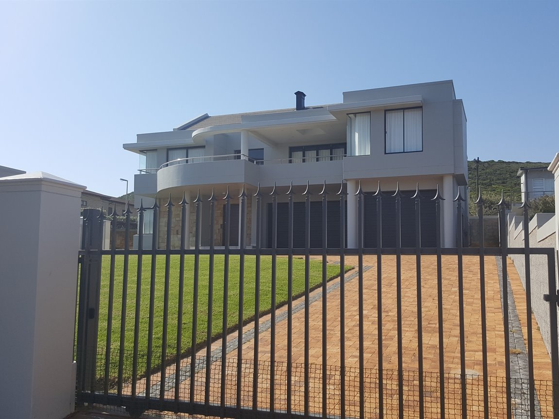 Yzerfontein property for sale. Ref No: 13373287. Picture no 8