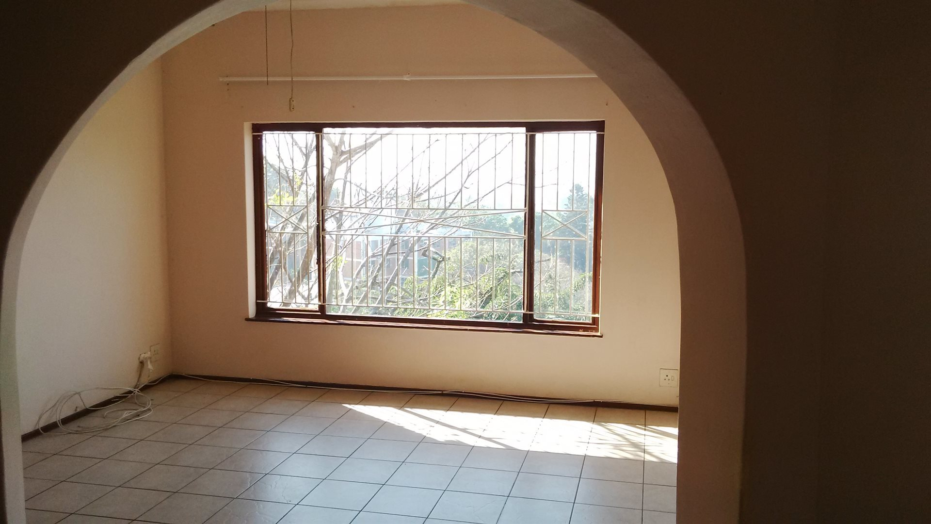 Doonside property for sale. Ref No: 13522465. Picture no 9