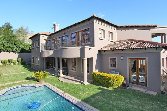Property and Houses to rent in Woodmead, House, 4 Bedrooms - ZAR , 33,00*,M
