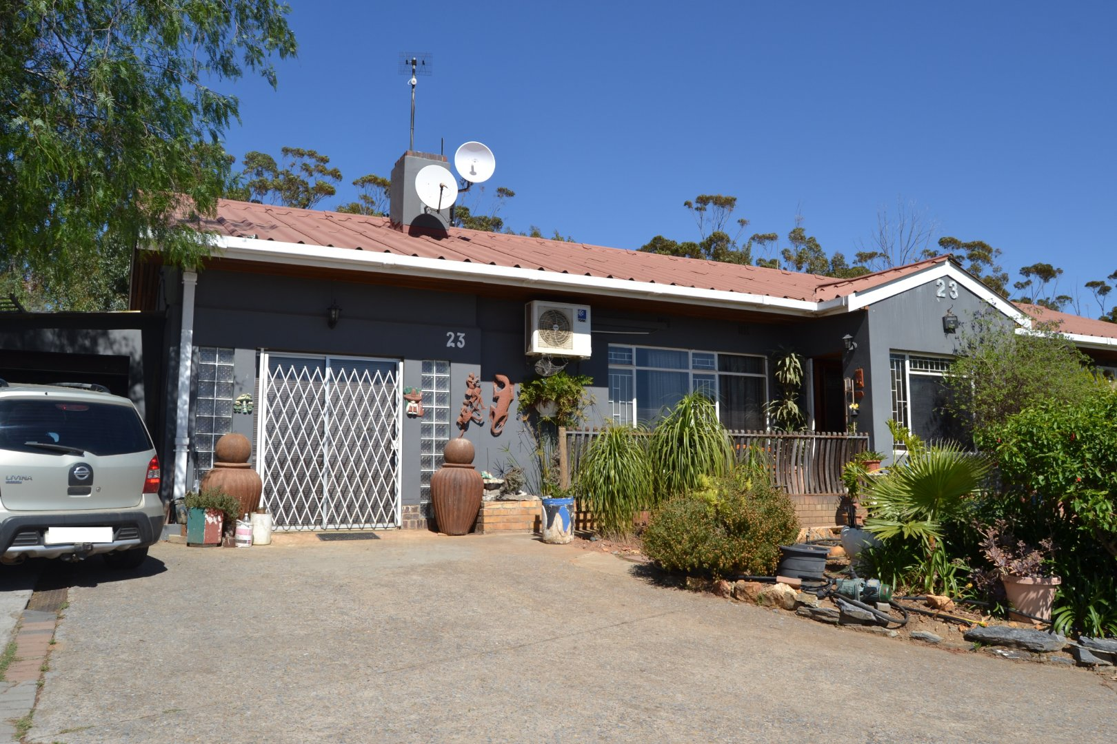 Property and Houses for sale in Riebeek West, House, 4 Bedrooms - ZAR 1,950,000