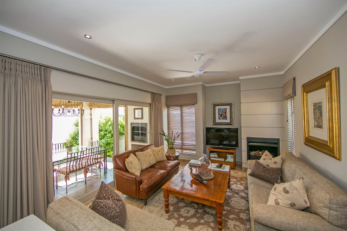 Fourways property for sale. Ref No: 13383649. Picture no 7