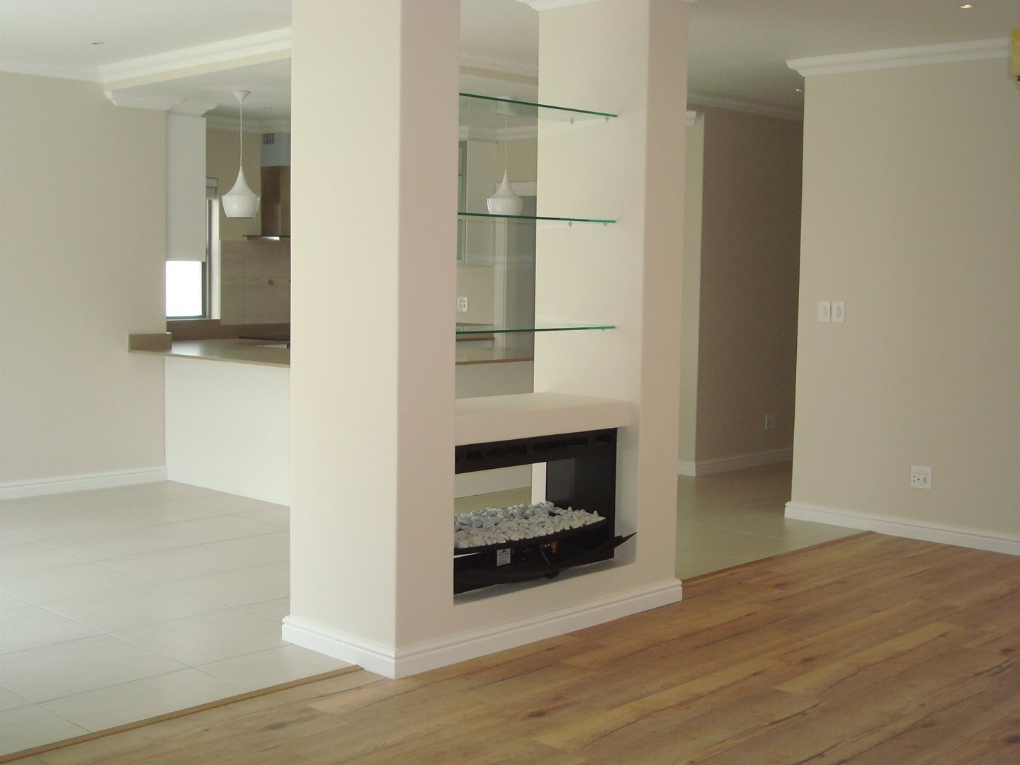 Claremont property to rent. Ref No: 13575482. Picture no 6