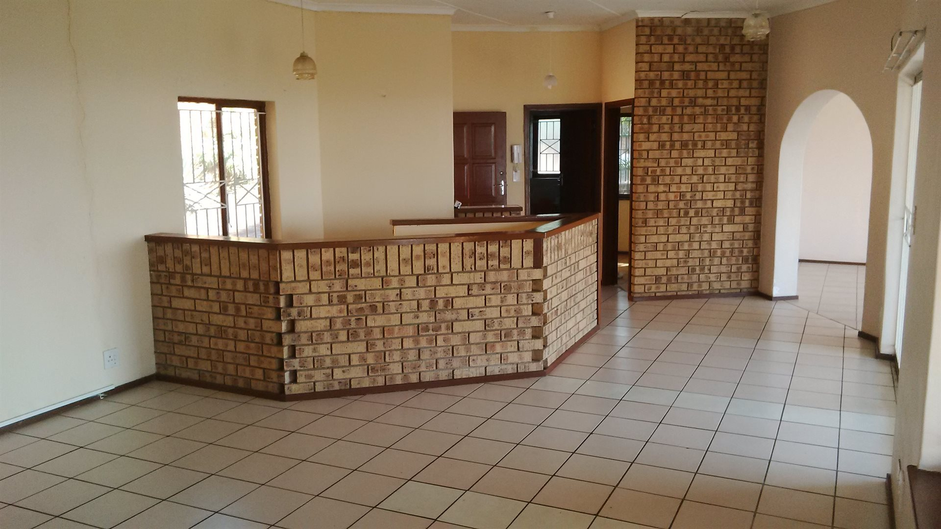 Doonside property for sale. Ref No: 13522465. Picture no 3