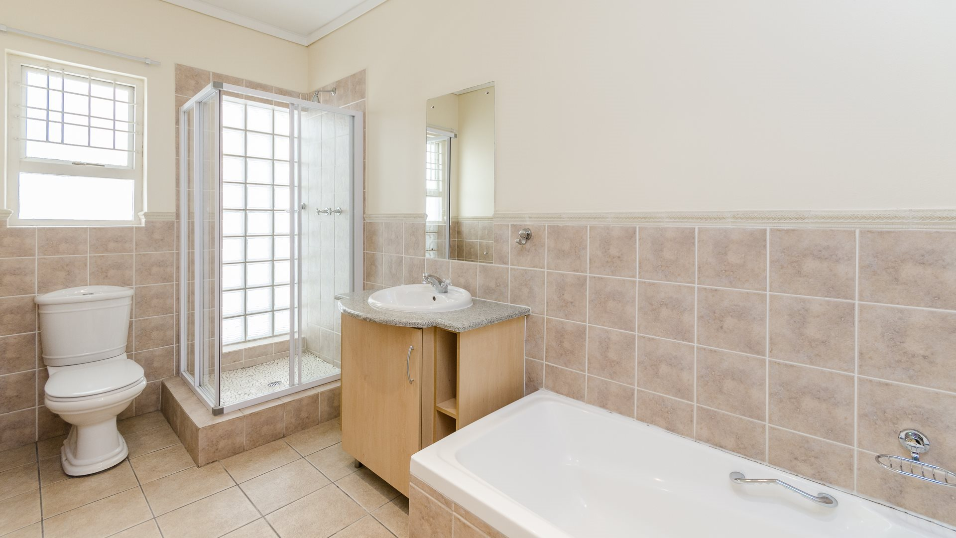 Morningside property for sale. Ref No: 13561793. Picture no 12