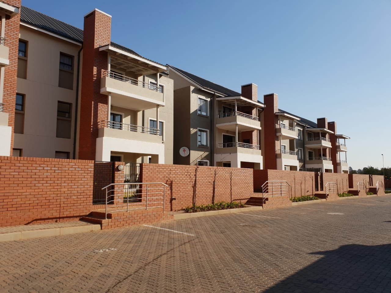 Centurion, Louwlardia Property  | Houses For Sale Louwlardia, Louwlardia, Apartment 3 bedrooms property for sale Price:1,579,000