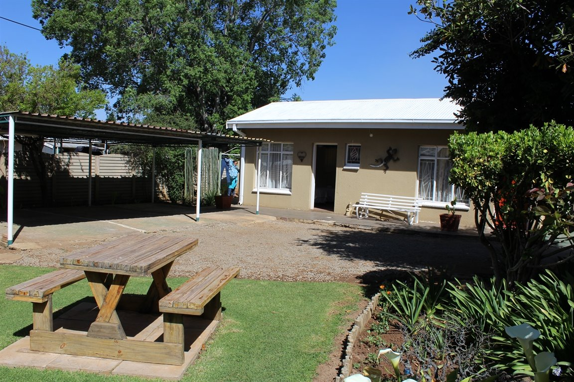 Potchefstroom Central property for sale. Ref No: 13388086. Picture no 4