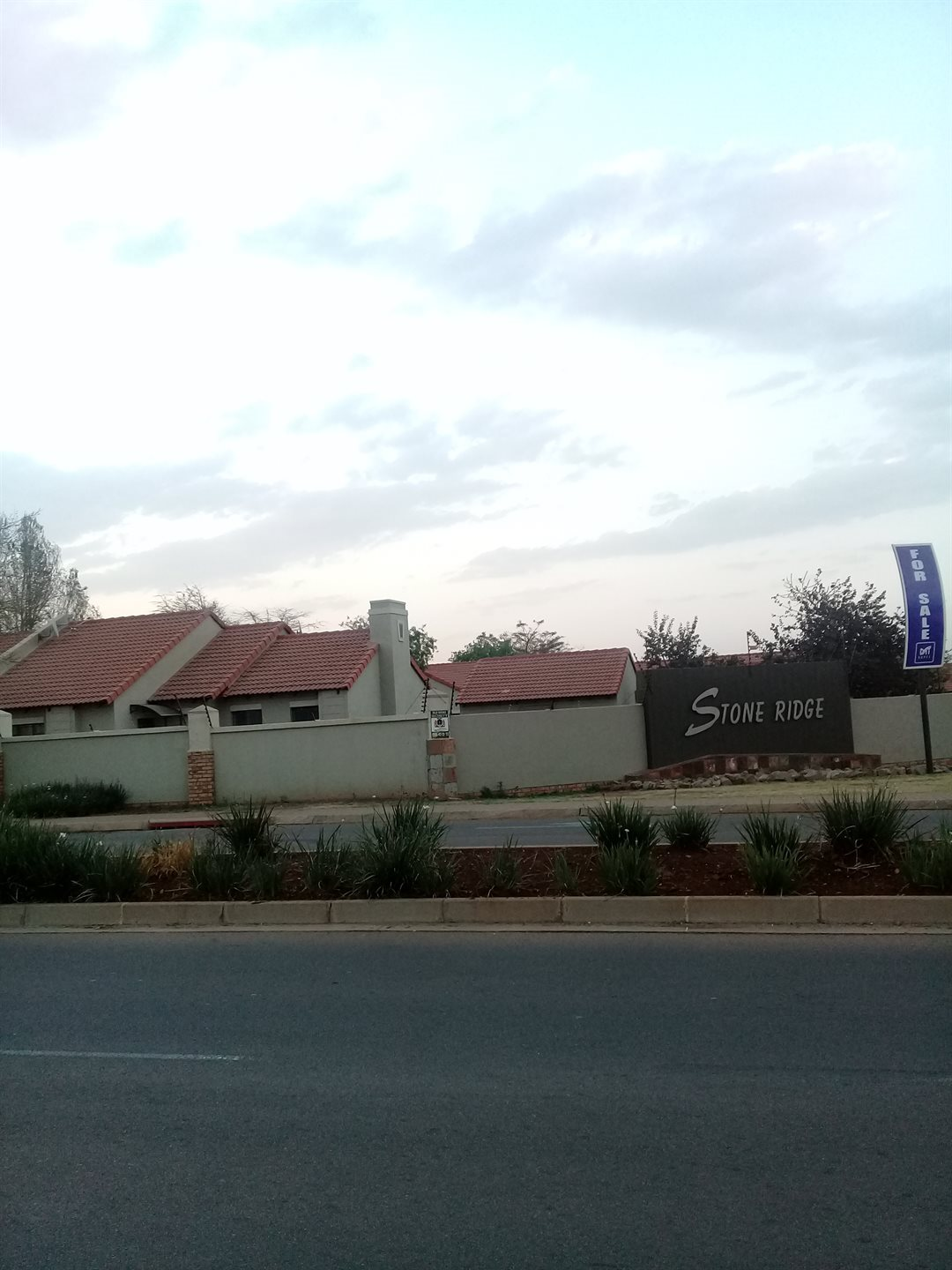 Property and Houses for sale in Stone Ridge, Apartment, 3 Bedrooms - ZAR 1,500,000