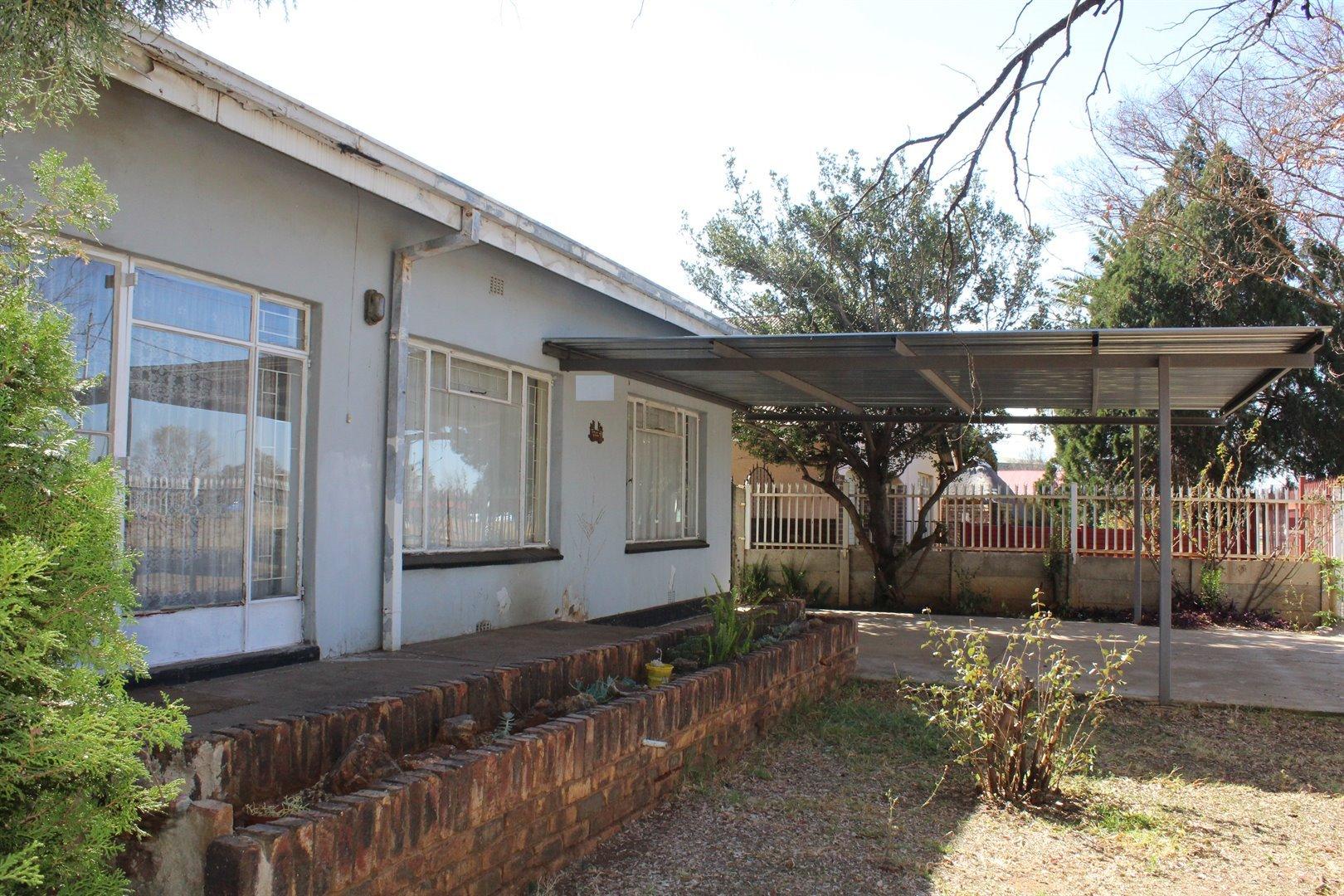 Potchefstroom, Potchefstroom Central Property  | Houses To Rent Potchefstroom Central, Potchefstroom Central, House 3 bedrooms property to rent Price:,  5,00*