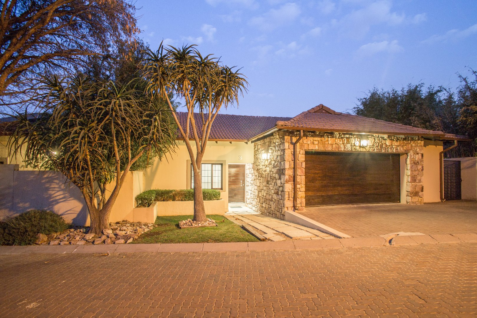 Lonehill property for sale. Ref No: 13529904. Picture no 22