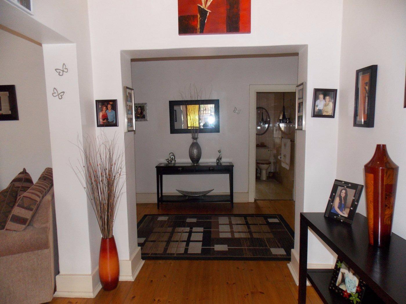 Malvern property for sale. Ref No: 13467428. Picture no 6