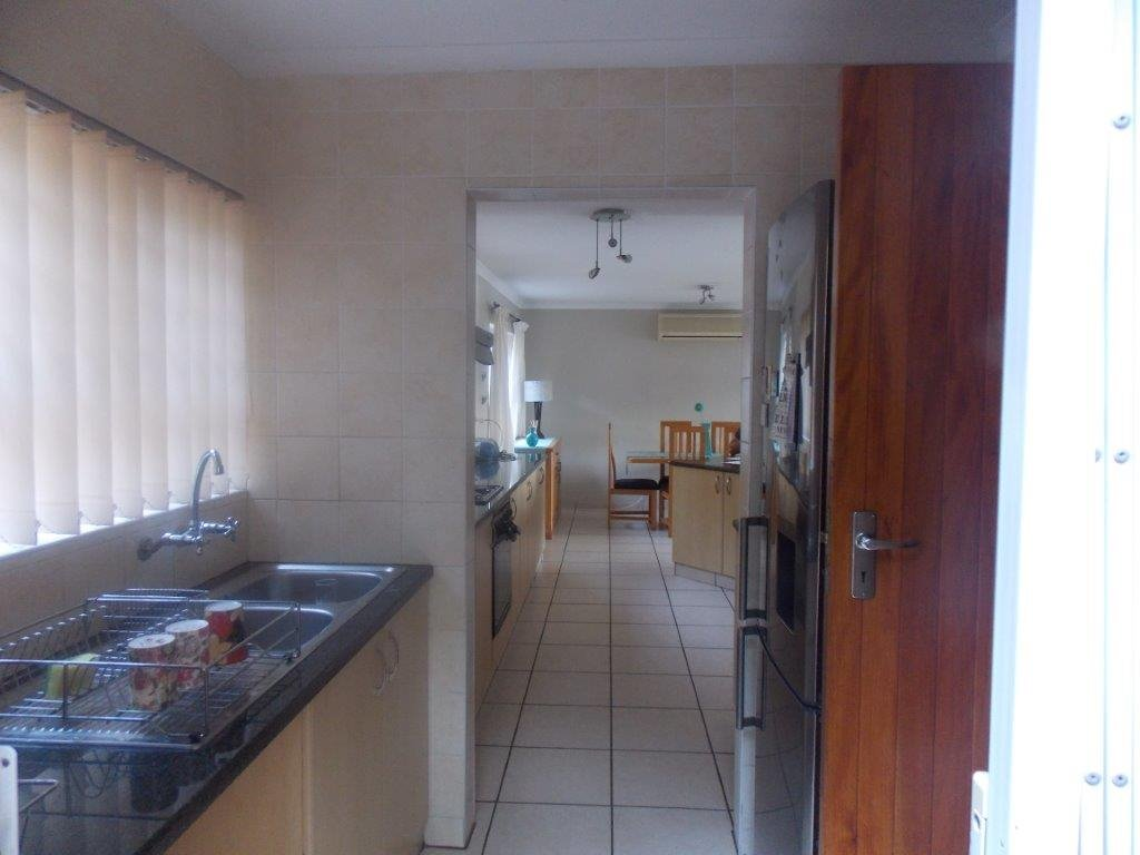 Amanzimtoti property for sale. Ref No: 13372994. Picture no 19